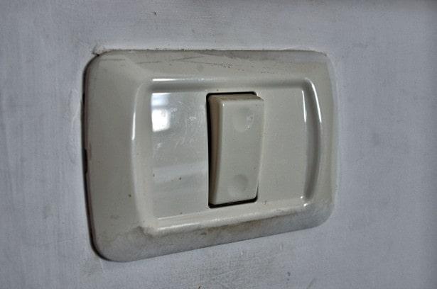 villanykapcsoló szerelés