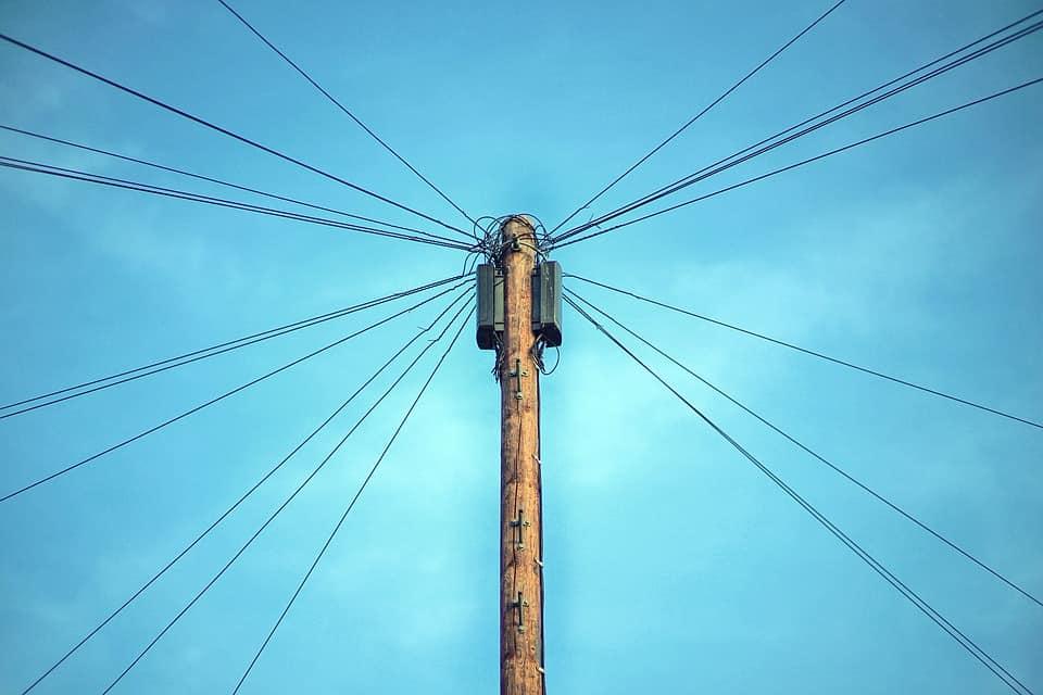 A villanyszerelés kötések kialakítás új hálózat esetén