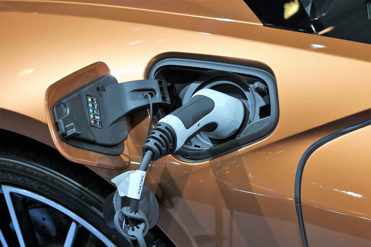 Mennyire jó ötlet az elektromos autó otthoni töltése?